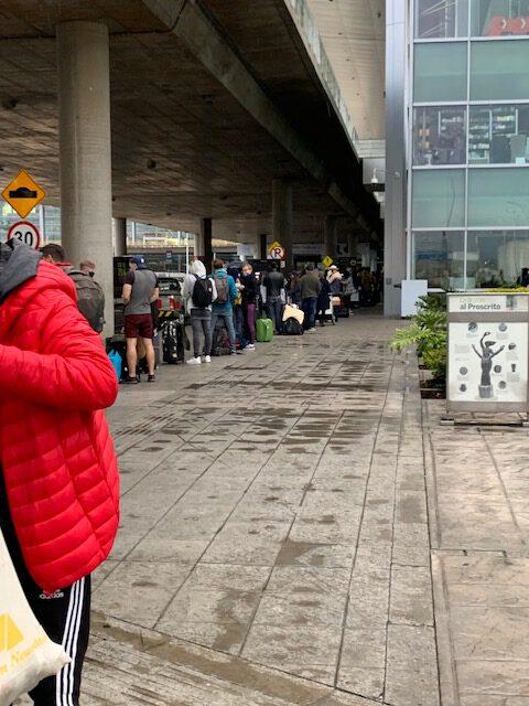 Lockdwon Cartagena Flughafen Bogota humanitärer Flug